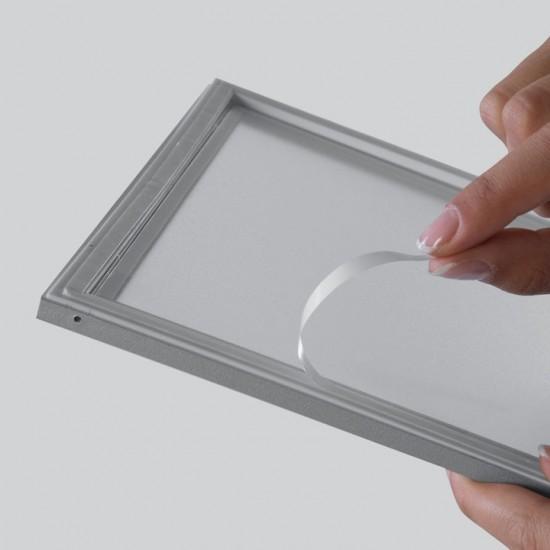 Rama plastic pentru geam
